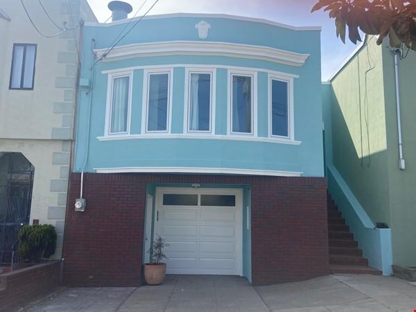Spacious View Home  3 B/R+, 2 BA, Large Deck and Yard, Parking, W/D Home Rental in San Francisco 0 - thumbnail