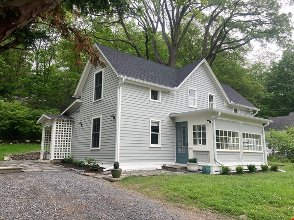 Lovely historic Forest Home house, 5 minute nature walk to Cornell. Home Rental in Ithaca 0 - thumbnail