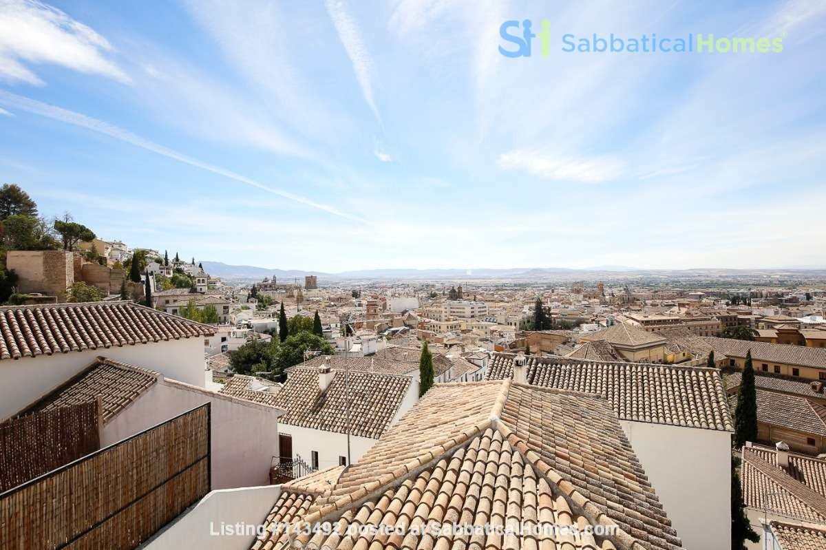 4 bedroom lovely and spacious house in the Albaicin with wiews  and a cave Home Rental in Granada, Andalucía, Spain 0
