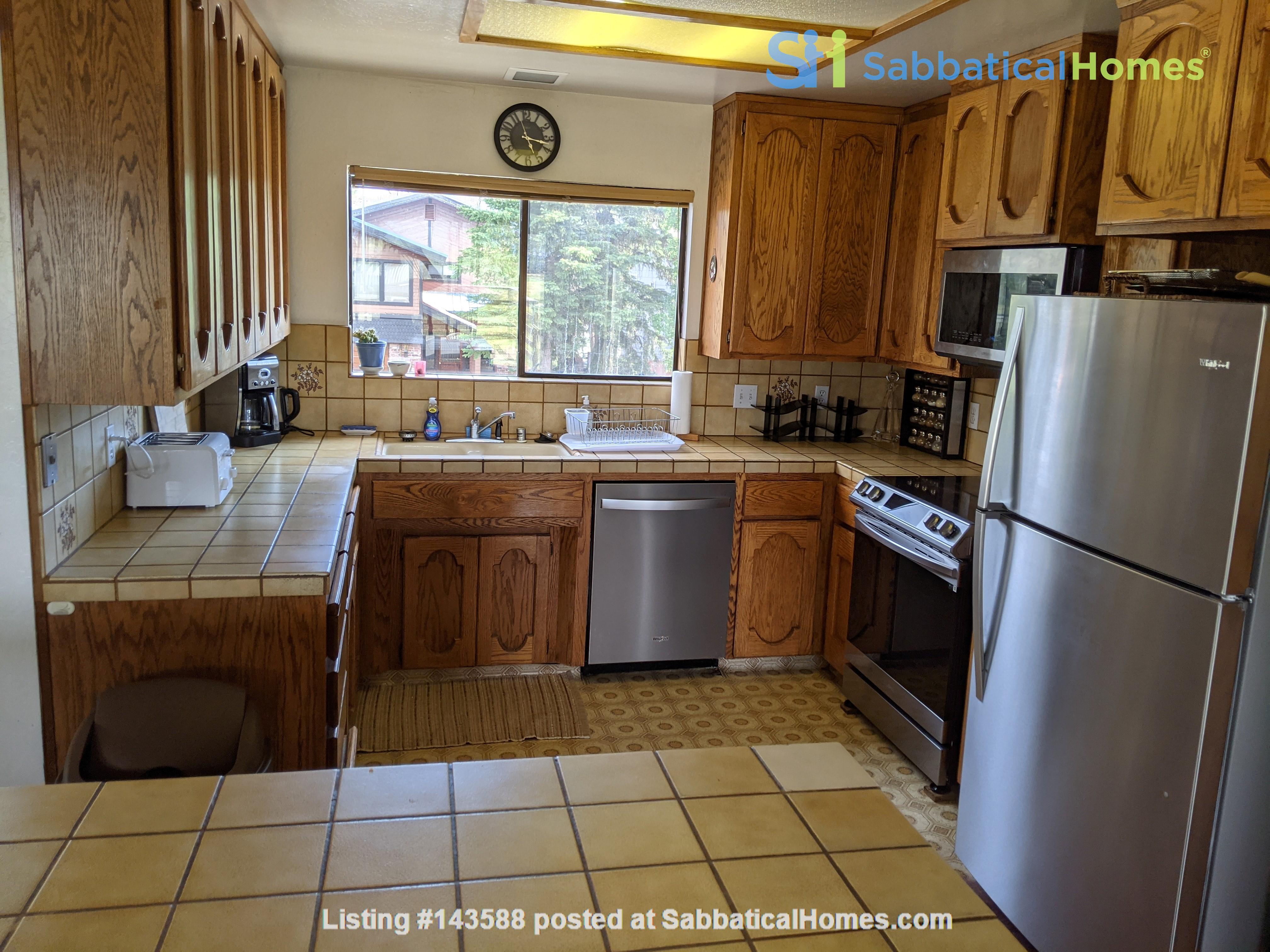 LAKE VIEWS Tahoe Keys 3br 2.5 ba. SPA. New appliances. Barton close Home Rental in South Lake Tahoe, California, United States 4