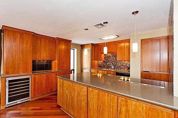 Furnished unit, top floor, gorgeous views. Near Grant Park, lake, museums. Home Rental in Chicago 8 - thumbnail