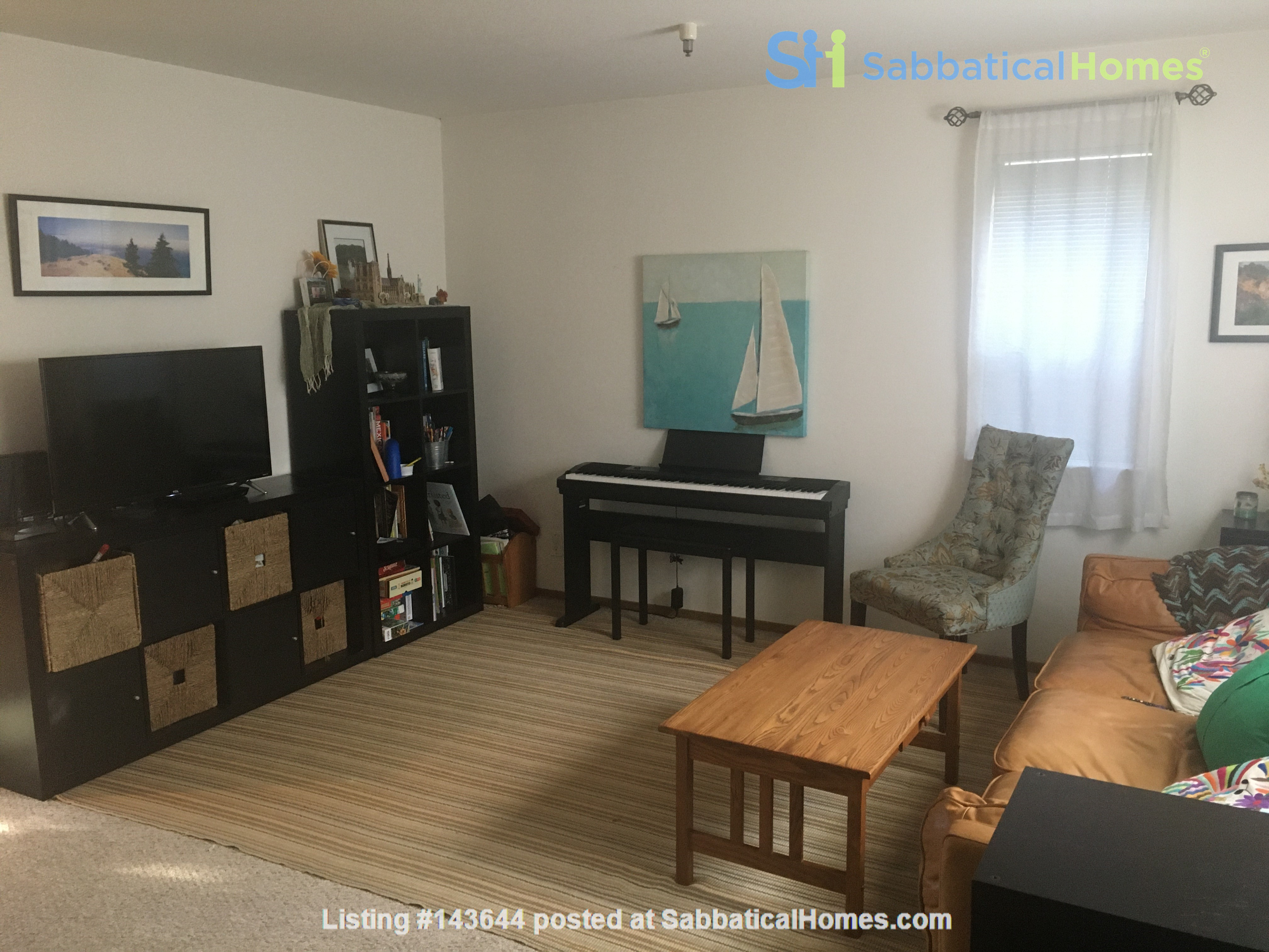 3BR, 1BA Oakland July Sublet - Negotiable Discount for Cat Sitting Home Rental in Oakland, California, United States 1
