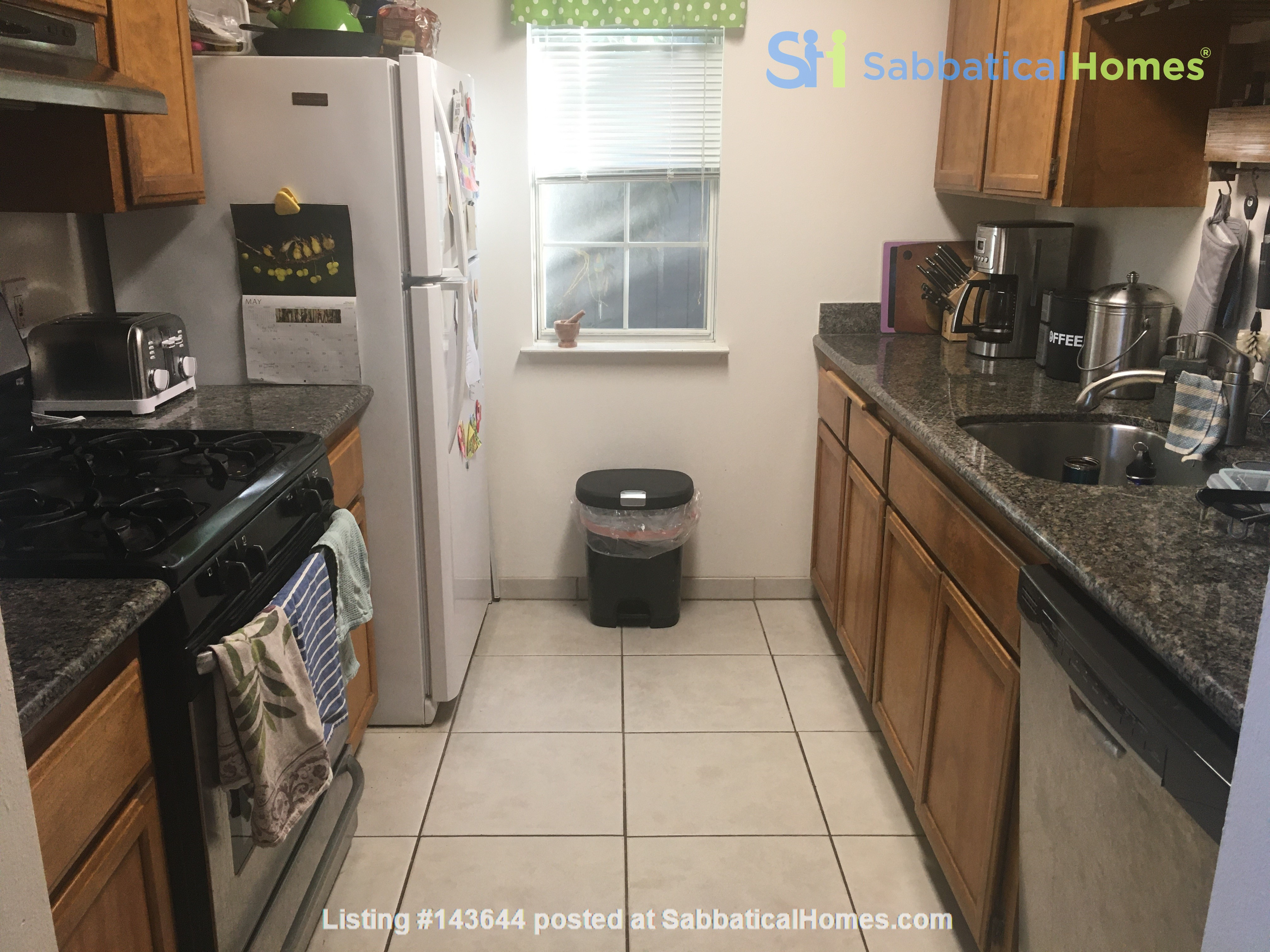 3BR, 1BA Oakland July Sublet - Negotiable Discount for Cat Sitting Home Rental in Oakland, California, United States 4