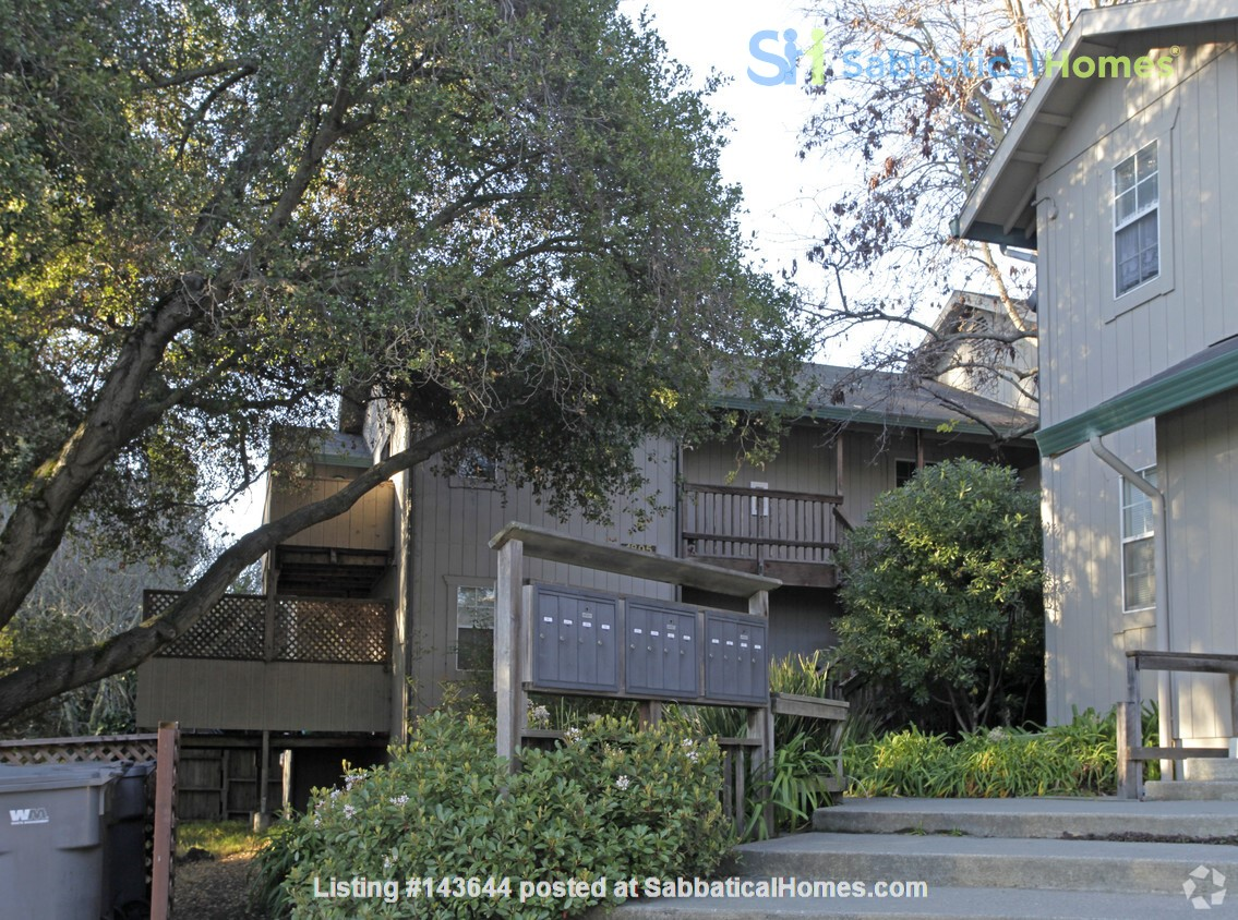 3BR, 1BA Oakland July Sublet - Negotiable Discount for Cat Sitting Home Rental in Oakland, California, United States 0
