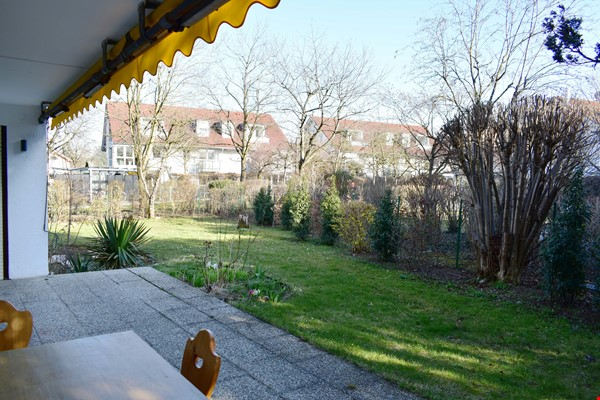 Beautiful and quiet apartment with garden Home Rental in München 1 - thumbnail