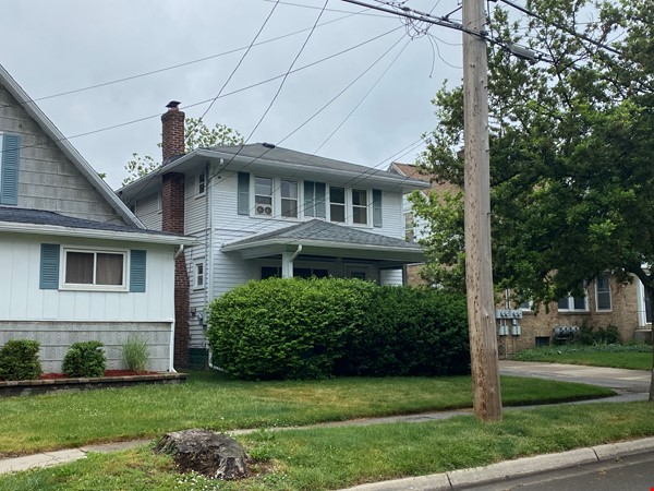 Cozy, updated 2BR near (<3mi) downtown and campus Home Rental in Lansing 0 - thumbnail