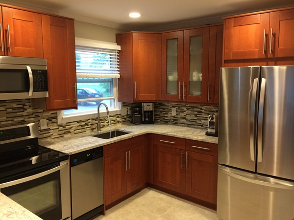 Cozy, updated 2BR near (<3mi) downtown and campus Home Rental in Lansing 2 - thumbnail