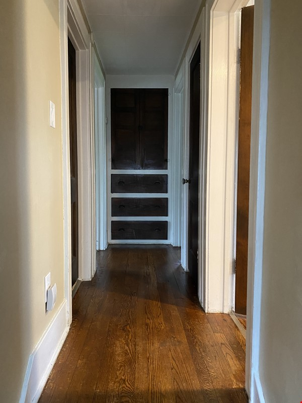 Cozy, updated 2BR near (<3mi) downtown and campus Home Rental in Lansing 3 - thumbnail