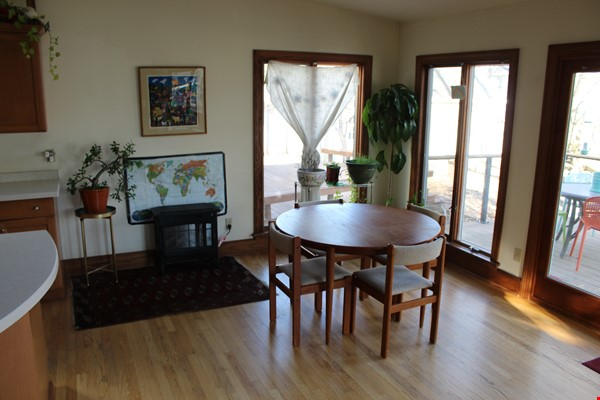 Beautiful home in family-friendly area close to campus, hospital, and shops Home Rental in Madison 2 - thumbnail