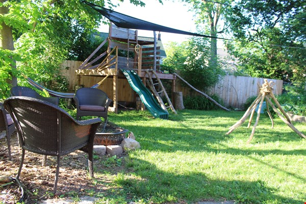 Beautiful home in family-friendly area close to campus, hospital, and shops Home Rental in Madison 9 - thumbnail