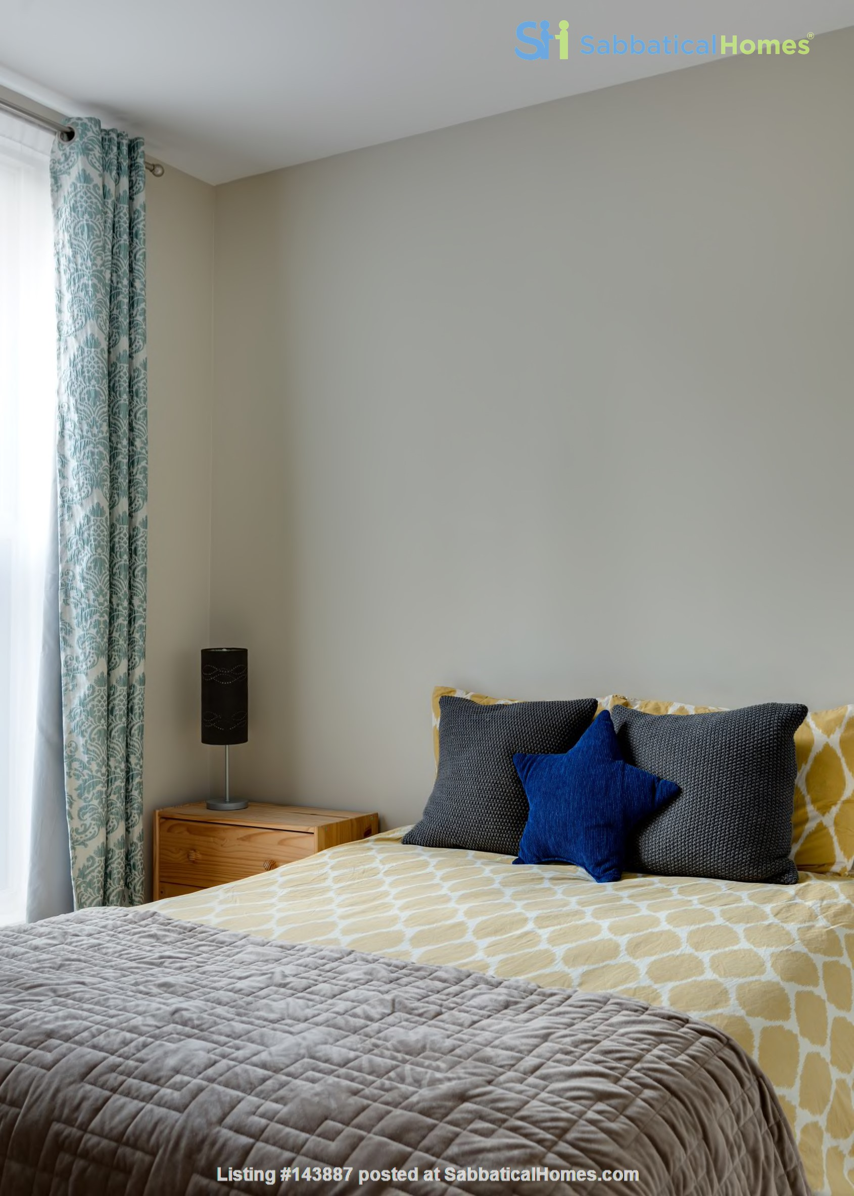 1BR in our gorgeous weekend brownstone in Fort Greene, Brooklyn Home Rental in Kings County, New York, United States 4