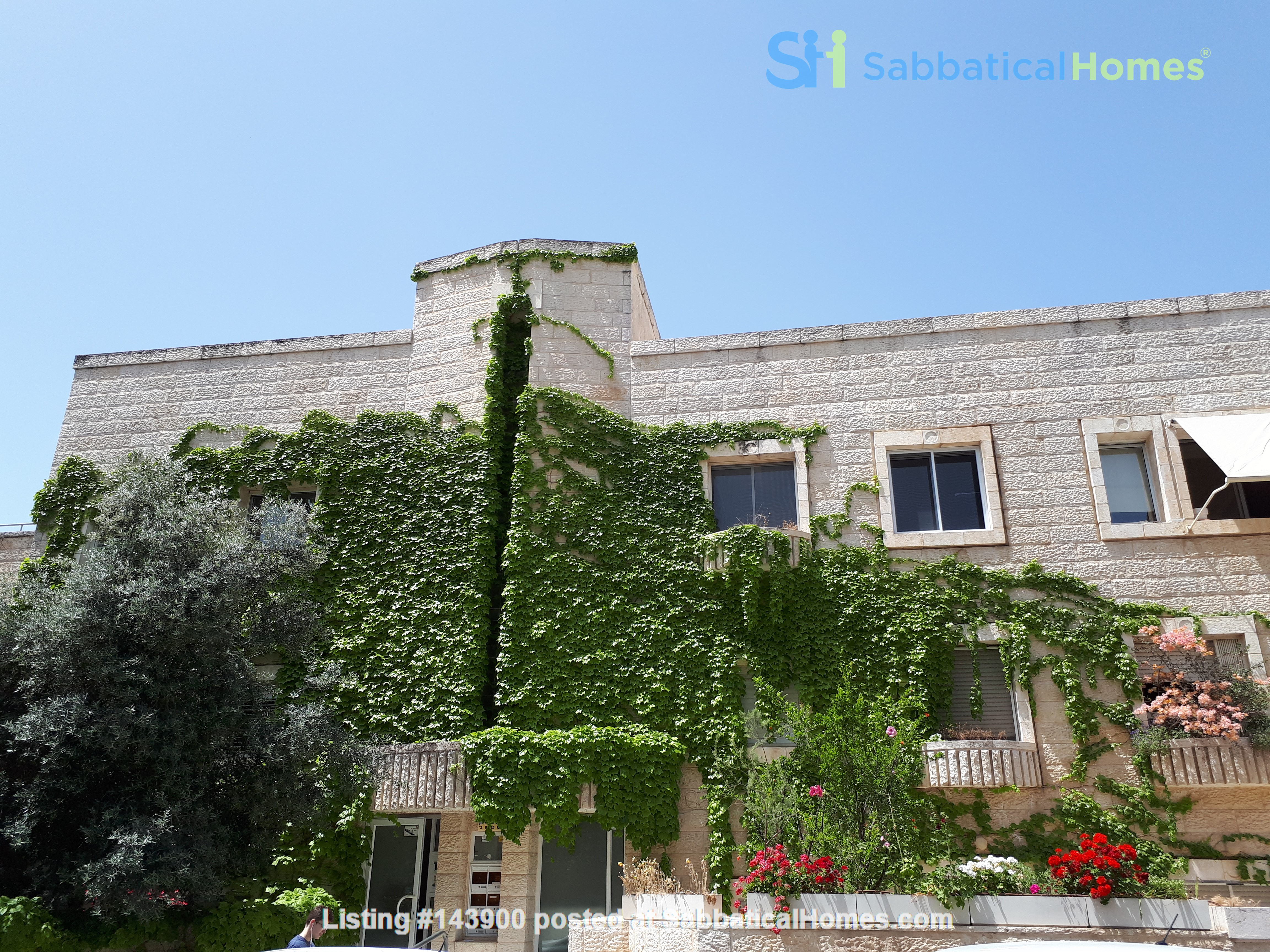 A beautiful garden apartment near the Hebrew University Home Rental in Jerusalem, Jerusalem District, Israel 5