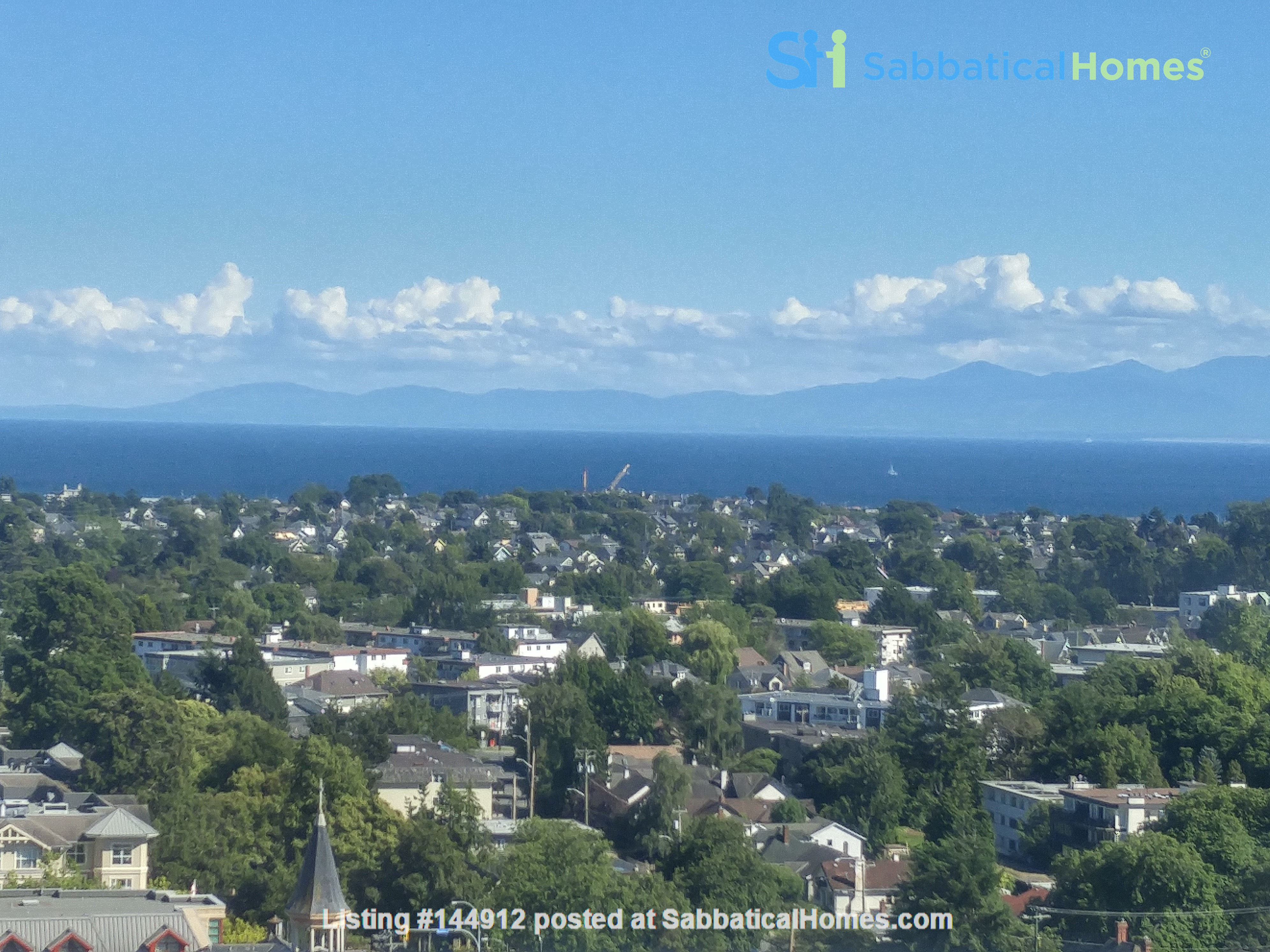 Urban Chic -Stunning Modern 2br Oceanview Penthouse Downtown Victoria Home Rental in Victoria, British Columbia, Canada 7