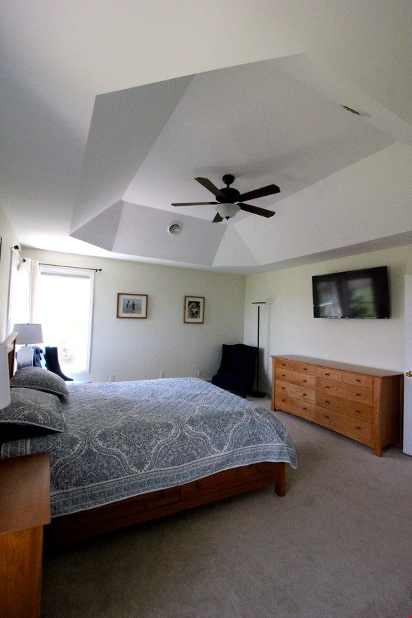 Beautiful FURNISHED large home (5 BDR, 4 BATH)  with in-home gym, playground, expansive views, spacious grounds, Close to both Cayuga Med and Cornell University Home Rental in Ithaca 4 - thumbnail