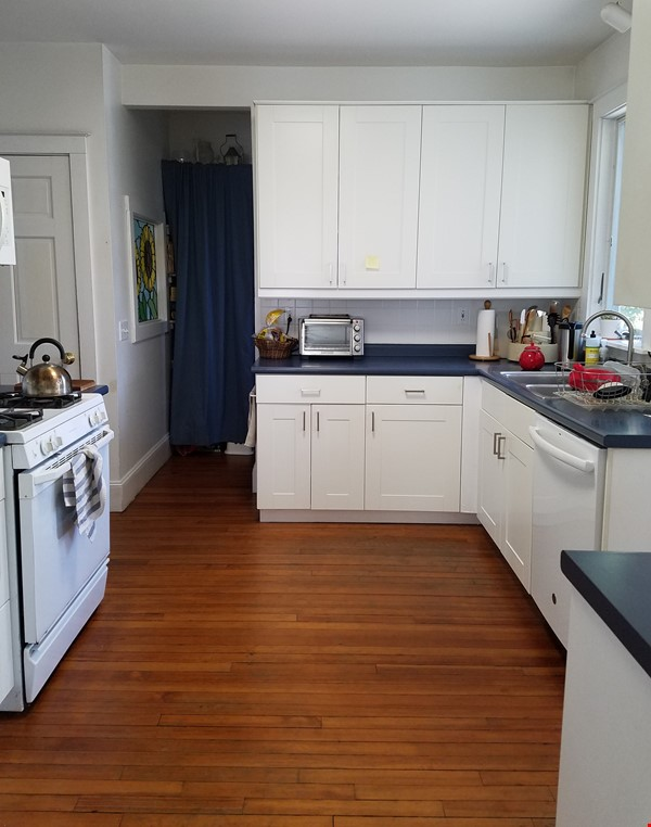 Furnished home in charming neighborhood near Brown University and RISD Home Rental in Cranston 2 - thumbnail