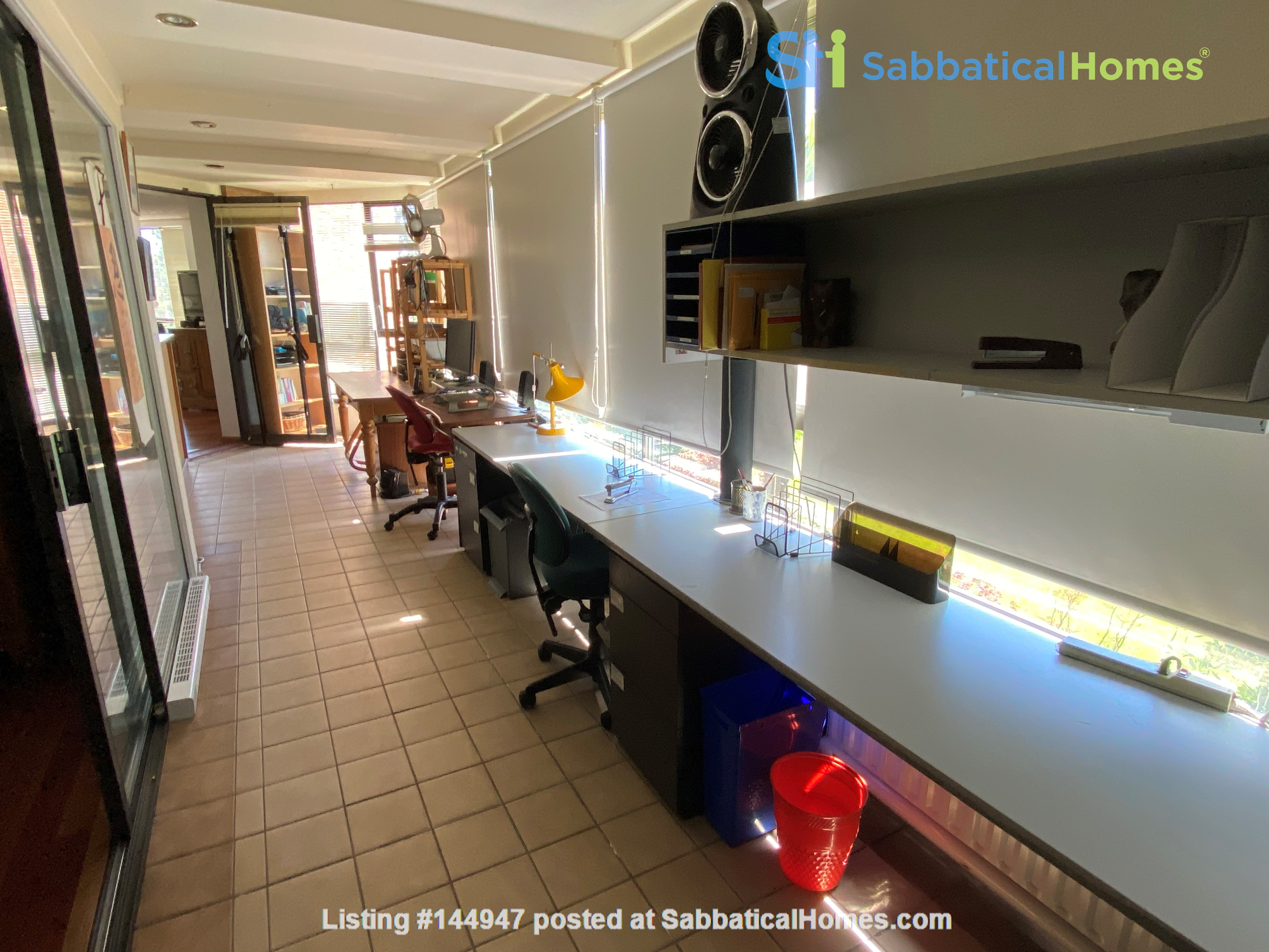 Perfectly convenient to downtown, without the noise! Home Rental in Vancouver, British Columbia, Canada 6