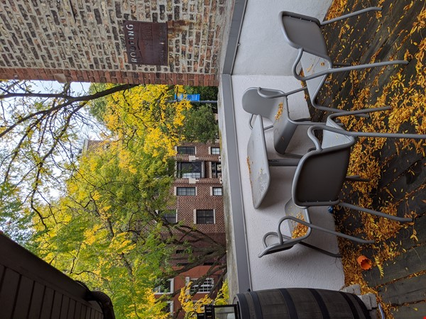 Spacious, fully furnished 3 bd/2.5 ba townhome in Lincoln Park Home Rental in Chicago 9 - thumbnail