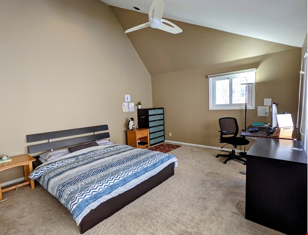 Spacious, fully furnished 3 bd/2.5 ba townhome in Lincoln Park Home Rental in Chicago 4 - thumbnail