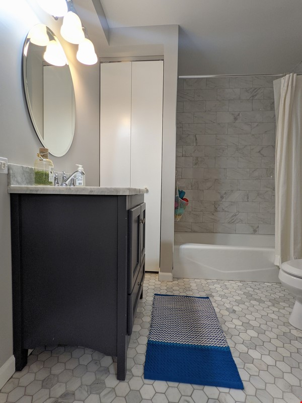 Spacious, fully furnished 3 bd/2.5 ba townhome in Lincoln Park Home Rental in Chicago 8 - thumbnail