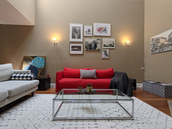 Spacious, fully furnished 3 bd/2.5 ba townhome in Lincoln Park Home Rental in Chicago 0 - thumbnail