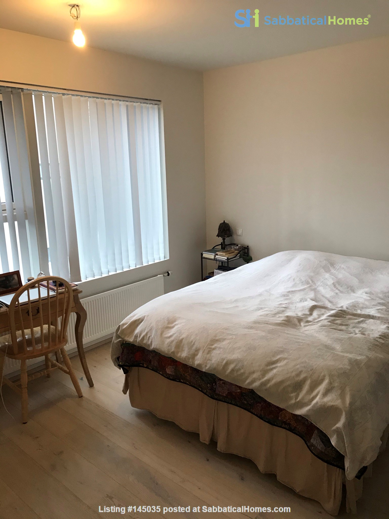 Beautiful and spacious seafront condo in Reykjavik with two cats Home Rental in Reykjavík, , Iceland 5
