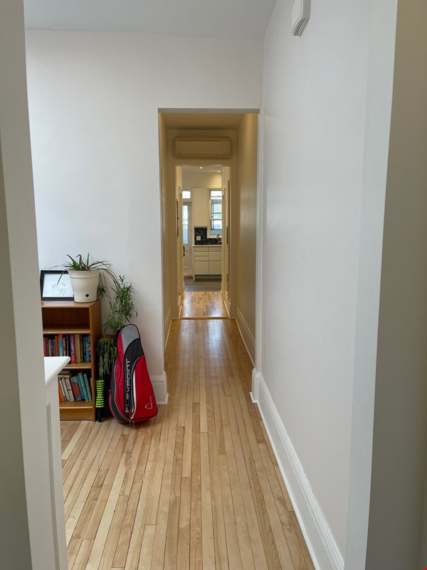 Lovely renovated apartment in a perfect Montreal setting! Home Rental in Montréal 6 - thumbnail