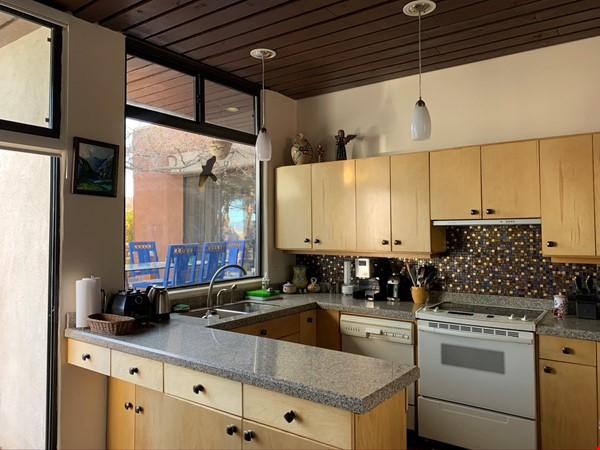 Beautiful Home in Albuquerque Home Rental in Albuquerque 3 - thumbnail