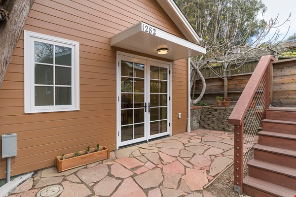 Light Filled, Fully Furnished Cottage in Great Berkeley Neighborhood Home Rental in Berkeley 5 - thumbnail