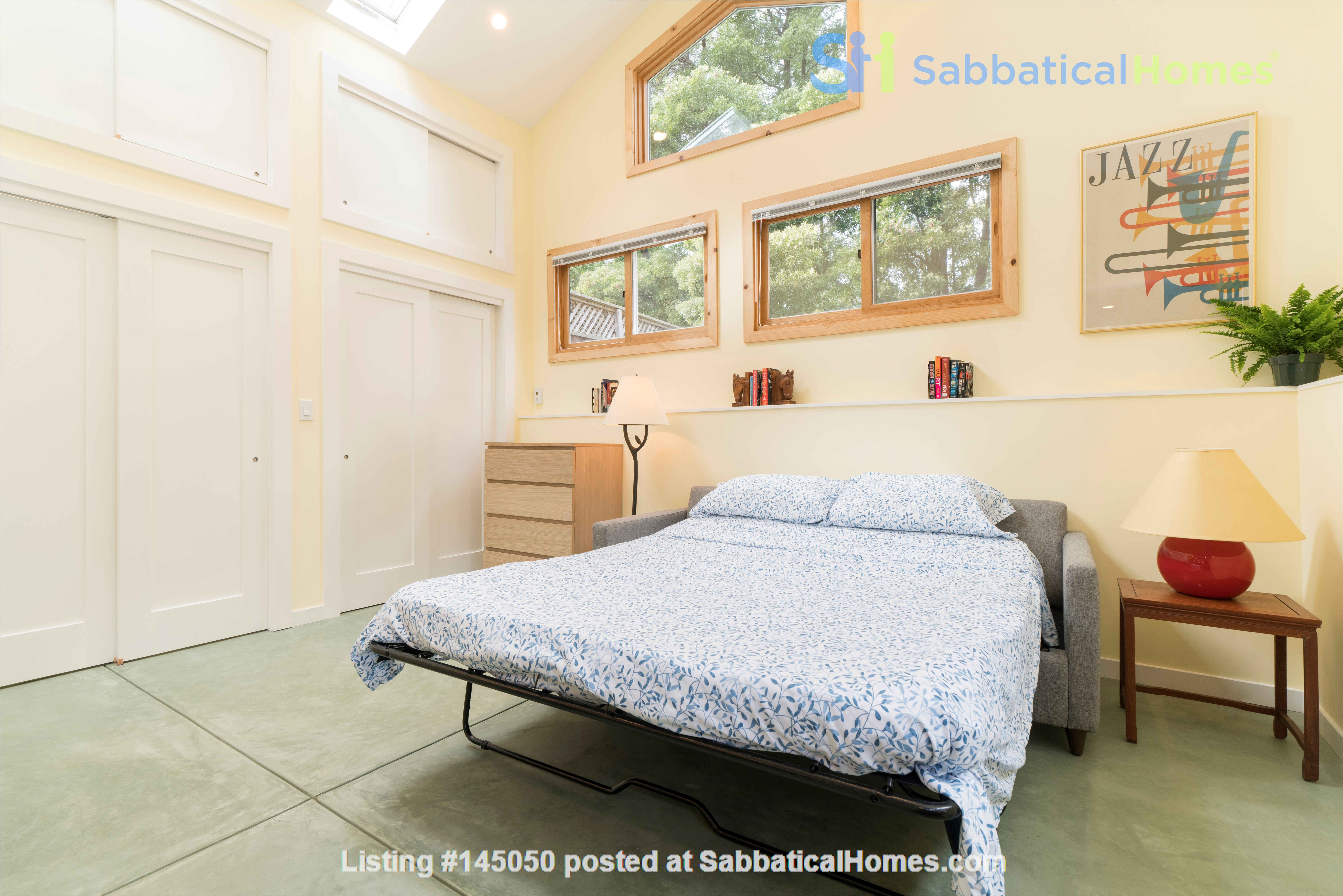 Light Filled, Fully Furnished Cottage in Great Berkeley Neighborhood Home Rental in Berkeley, California, United States 6