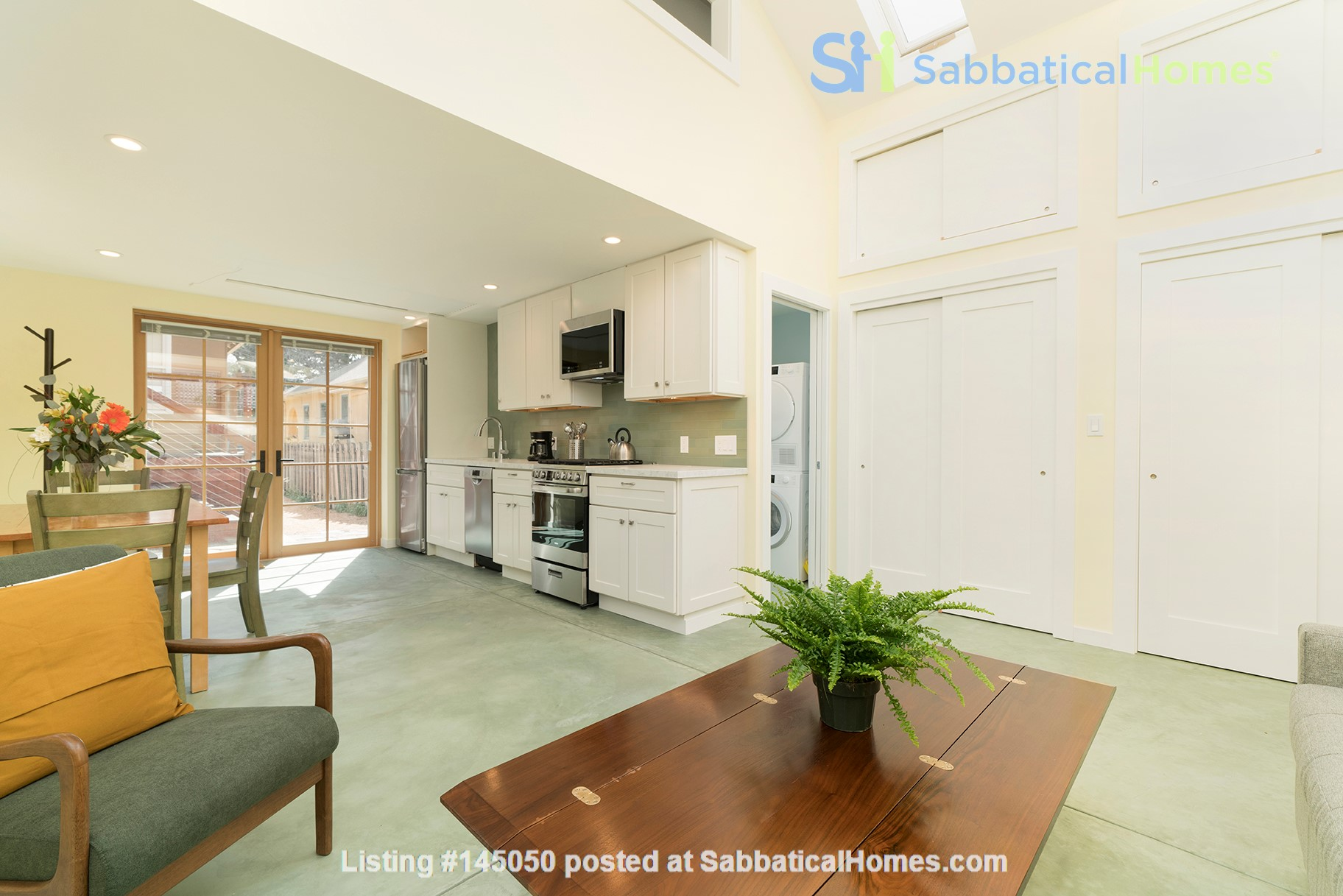 Light Filled, Fully Furnished Cottage in Great Berkeley Neighborhood Home Rental in Berkeley, California, United States 7