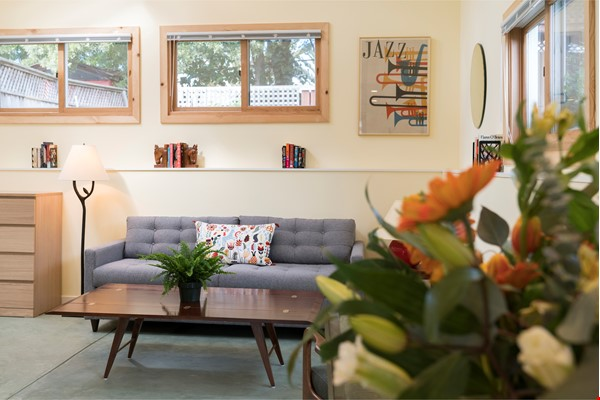 Light Filled, Fully Furnished Cottage in Great Berkeley Neighborhood Home Rental in Berkeley 0 - thumbnail