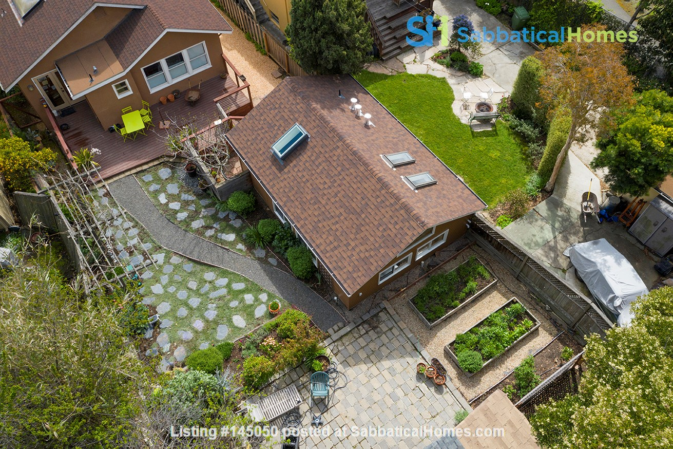 Light Filled, Fully Furnished Cottage in Great Berkeley Neighborhood Home Rental in Berkeley, California, United States 9