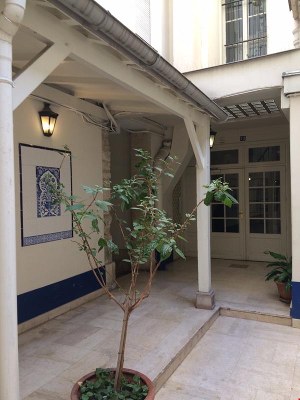 Charming flat / Heart of Paris Home Rental in Paris 1 - thumbnail