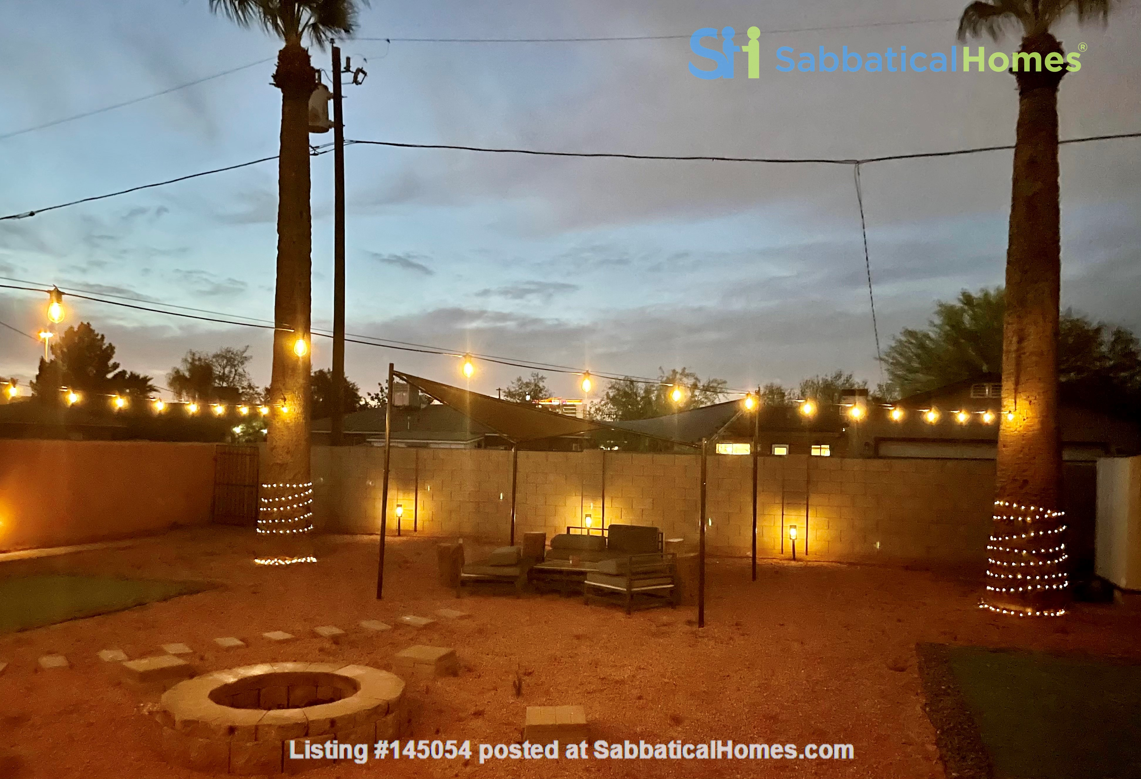 Spacious Remodel Near Downtown Home Rental in Phoenix, Arizona, United States 2