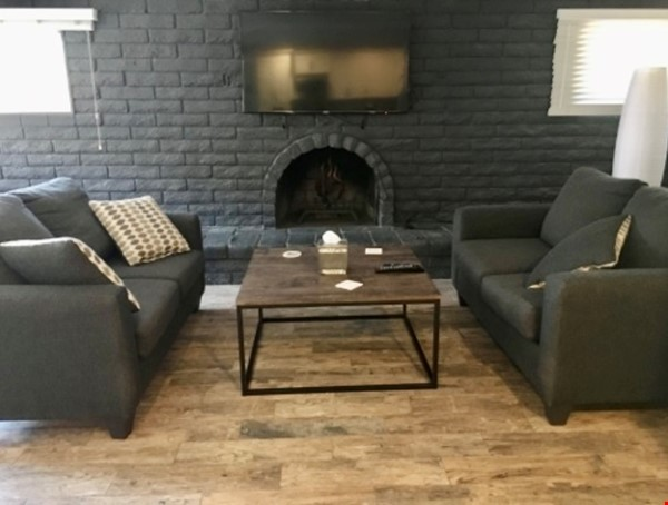 Spacious Remodel Near Downtown Home Rental in Phoenix 4 - thumbnail