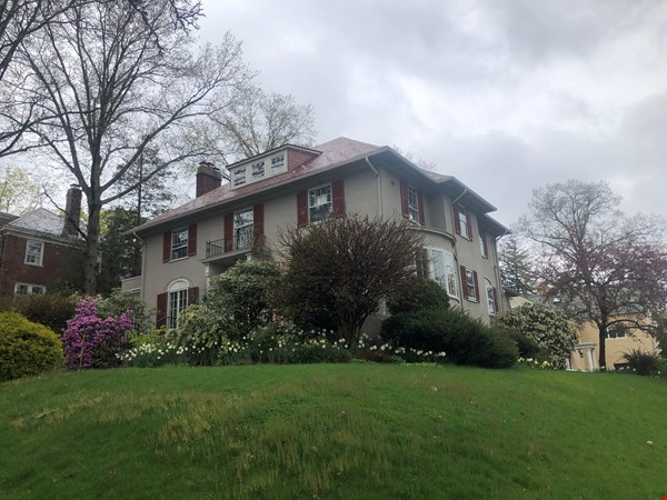 Large, gorgeous house & garden within walking distance of Brown & RISD Home Rental in Providence 9 - thumbnail
