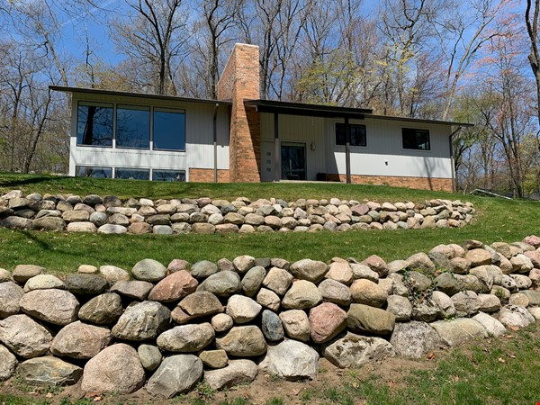Beautifully updated mid-century 3-bedroom home near University of Michigan. Home Rental in Ann Arbor 0 - thumbnail