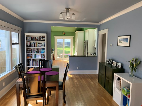 Light-filled and Completely Renovated Craftsman Home in Seattle Home Rental in Seattle 2 - thumbnail
