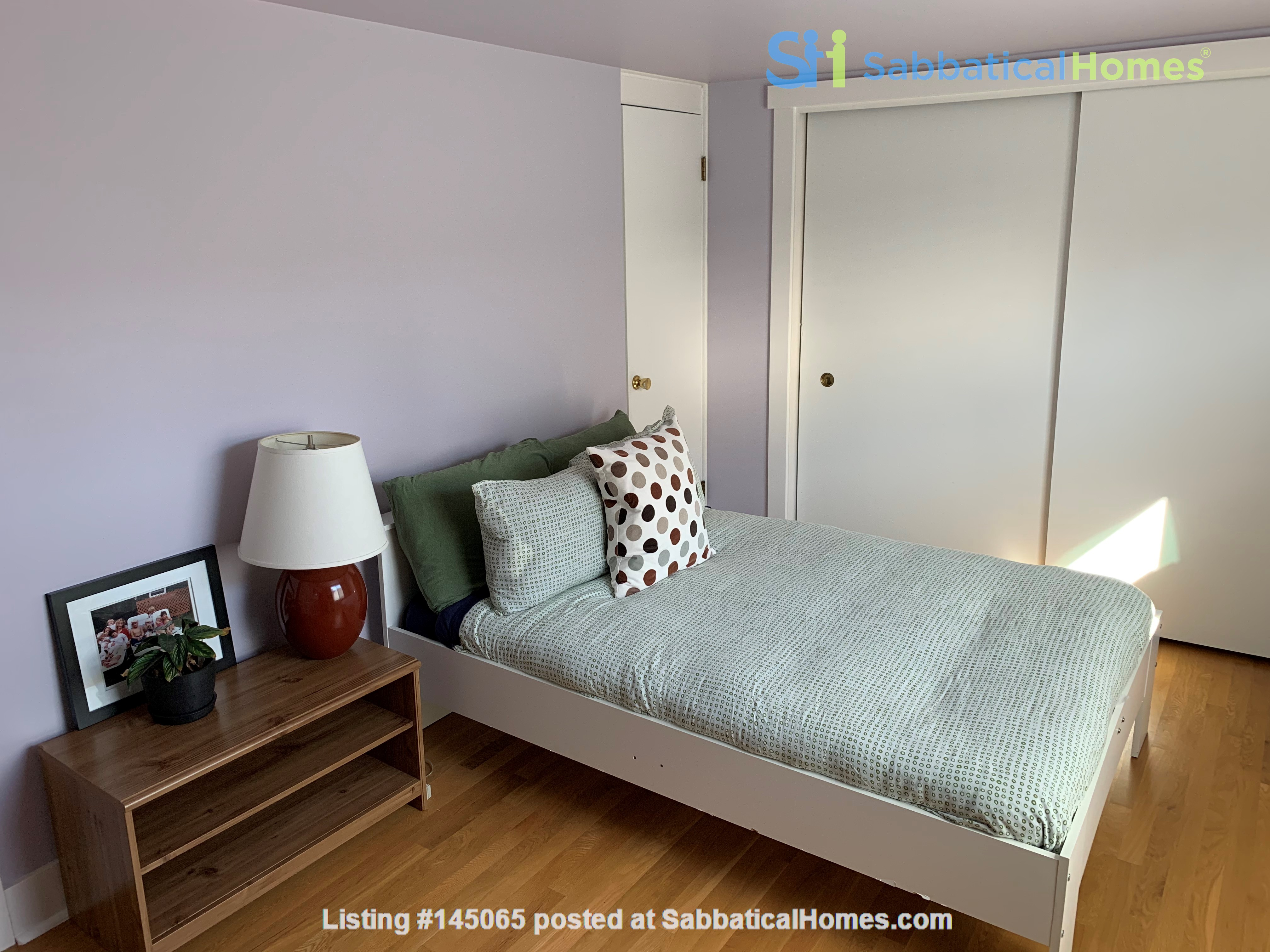 Light-filled and Completely Renovated Craftsman Home in Seattle Home Rental in Seattle, Washington, United States 7