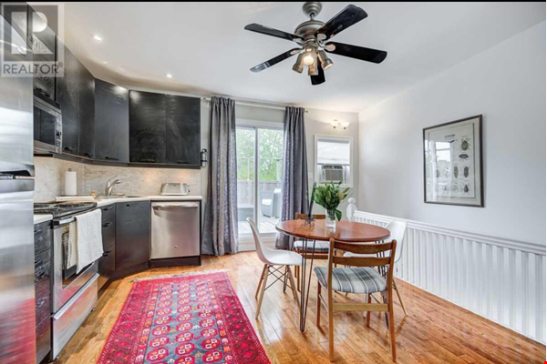 Downtown Home (Top 2 Floors of home), Large patio (3 Bed 1 Bath) Home Rental in Toronto 6 - thumbnail