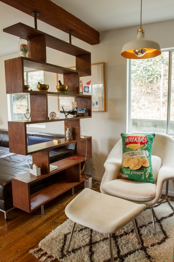 Secluded hide away in the hills Home Rental in Los Angeles 5 - thumbnail