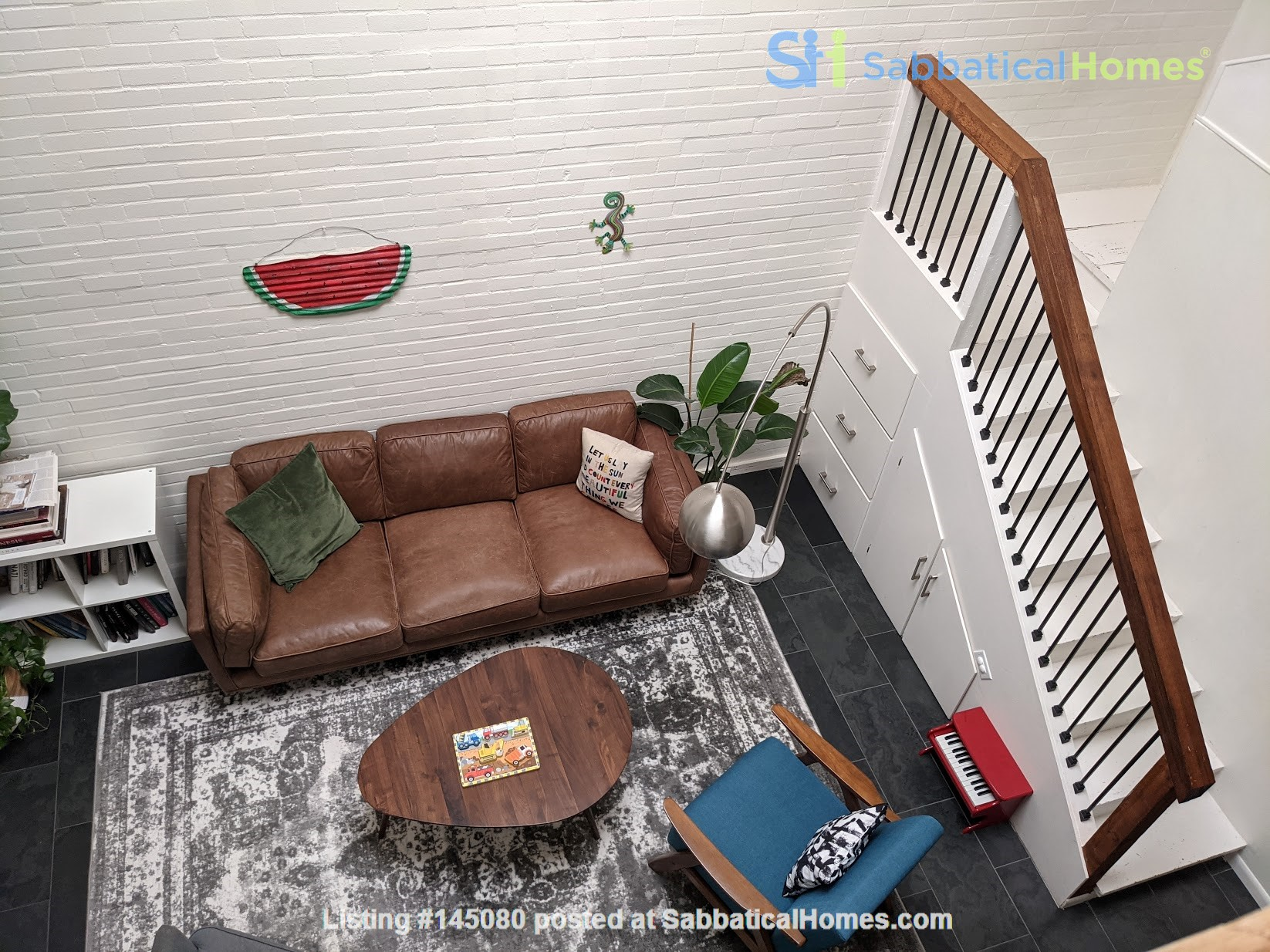 Centrally located, charming two-story town house Home Rental in Houston, Texas, United States 5