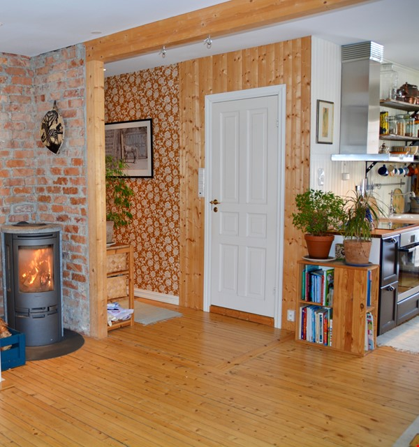 Child friendly home with four bedrooms in idyllic surroundings Home Rental in  4 - thumbnail