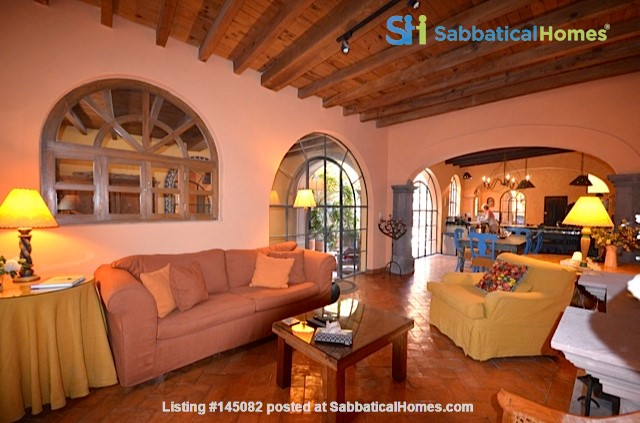 Perfect Home for Research/Writing in San Miguel de Allende; stellar views Home Rental in San Miguel de Allende 3