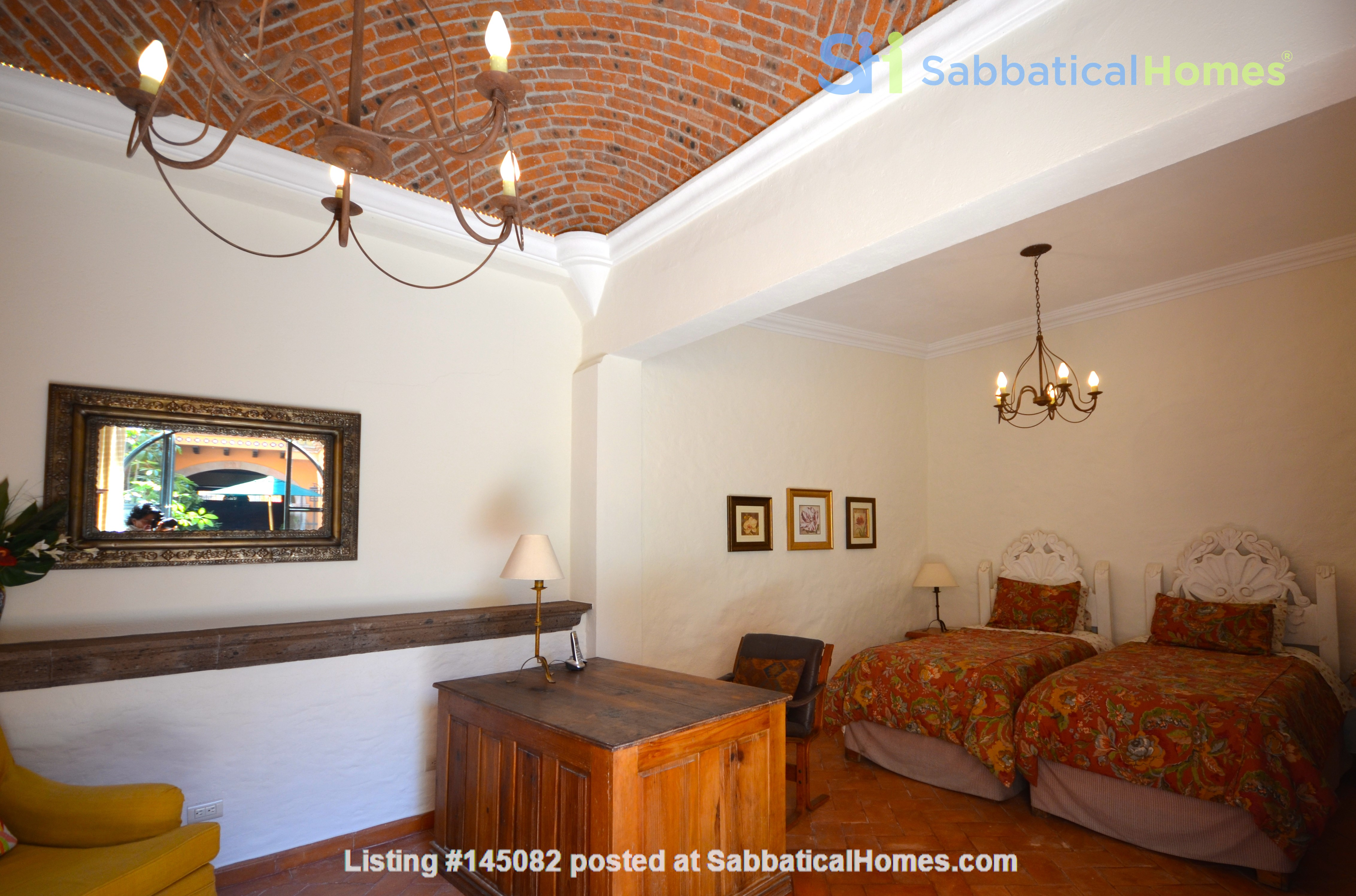 Perfect Home for Research/Writing in San Miguel de Allende; stellar views Home Rental in San Miguel de Allende 6
