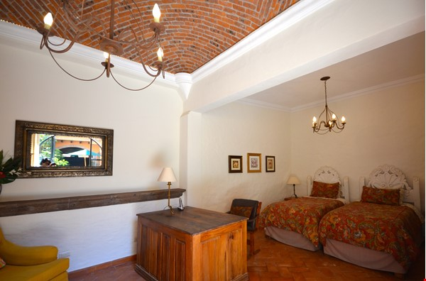 Perfect Home for Research/Writing in San Miguel de Allende; stellar views Home Rental in San Miguel de Allende 6 - thumbnail