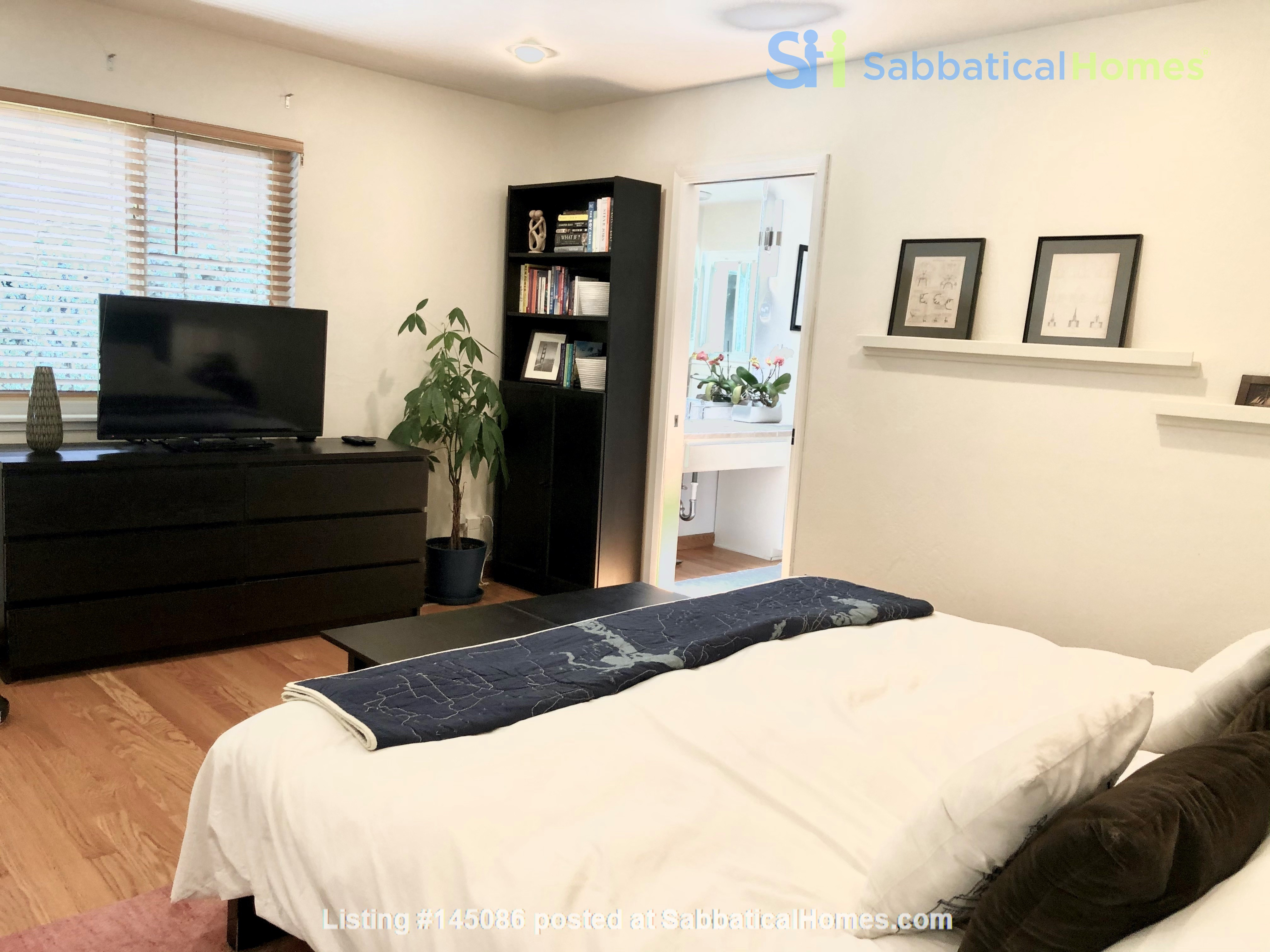 Spacious, Level-In, Quite Home for year lease in the Oakland Hills, CA Home Rental in Oakland, California, United States 8