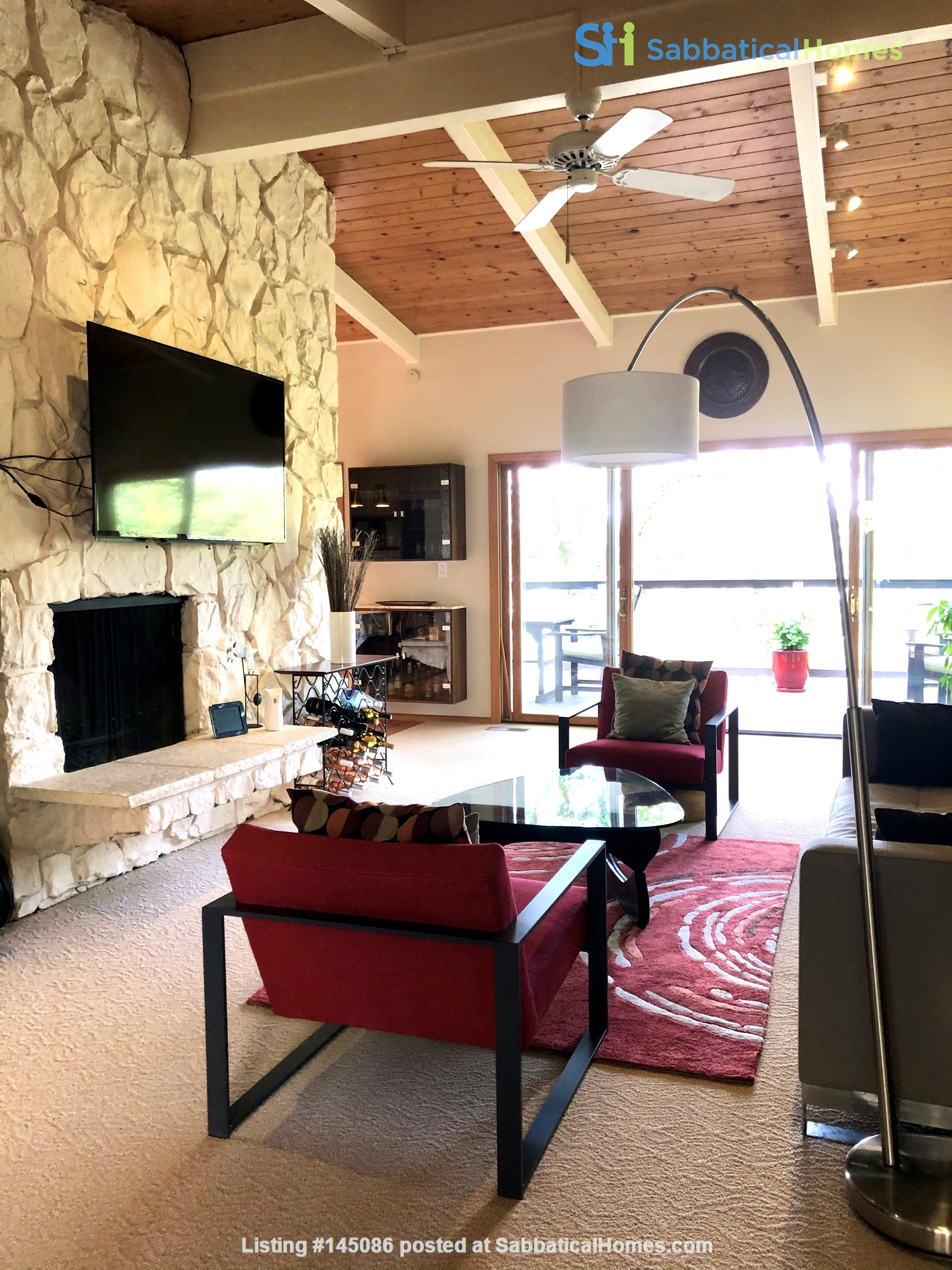 Spacious, Level-In, Quite Home for year lease in the Oakland Hills, CA Home Rental in Oakland, California, United States 2