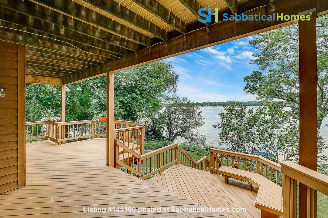 Fully Furnished Peaceful Private Lakefront home 10 mins to UW - Amazing! Home Rental in McFarland, Wisconsin, United States 8