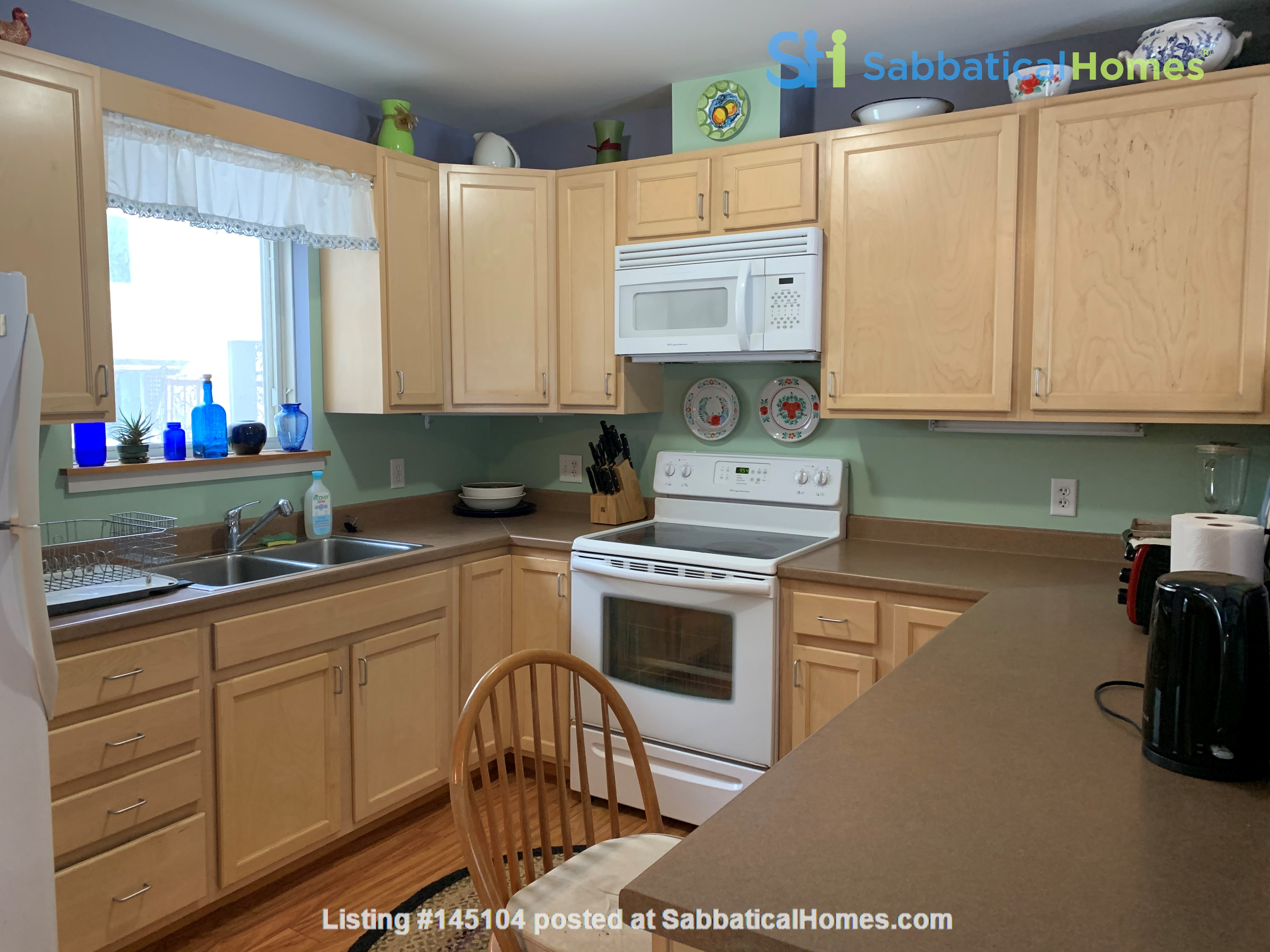 Furnished Townhouse in Co-Housing Community with Heat Included & Parking Home Rental in Burlington, Vermont, United States 3